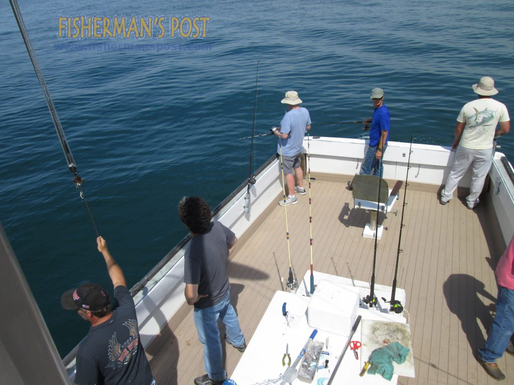 The Cricket II with a group of veterans out bottomfishing at AR-330.